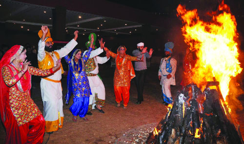 How Lohri celebrated in Punjab?